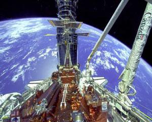 [STS 125 - Atlantis] : Mission de service vers Hubble, les préparatifs (lancement le 11/05/2009) - Page 17 Bras_01